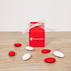 Scatolina rossa, regalo solidale in ambito Portaconfetti